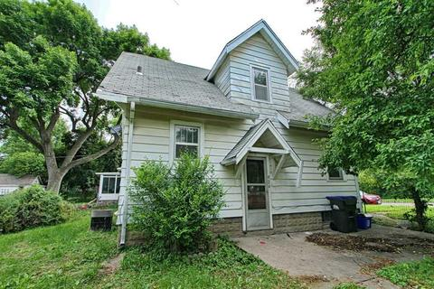 924 Friendly Ave, Iowa City, IA 52240