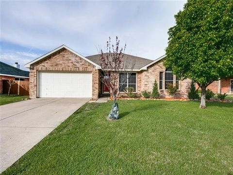 Photo of 230 Amherst Dr, Forney, TX 75126