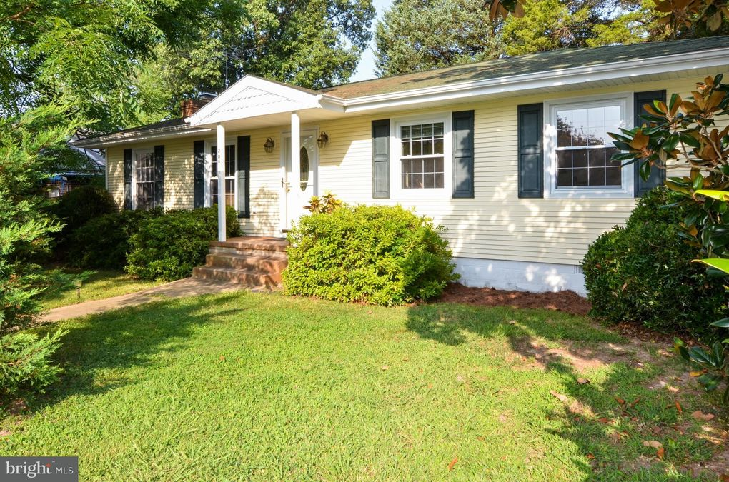 209 Rosier Ln Colonial Beach, VA 22443