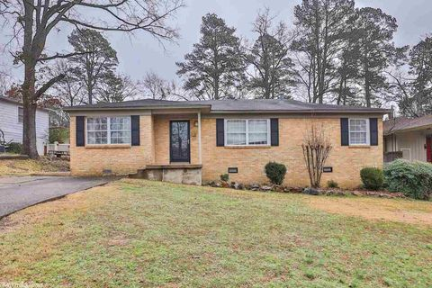 2927 Youngwood Rd, Little Rock, AR 72207