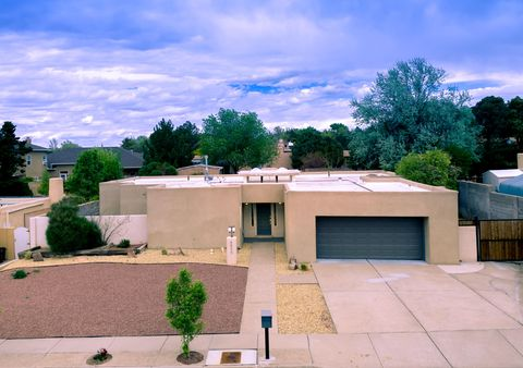 Photo of 8805 Spain Rd Ne, Albuquerque, NM 87111