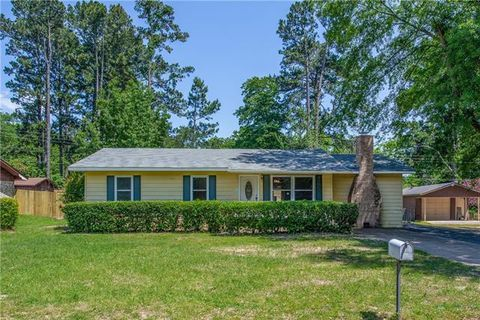 Photo of 422 Lindsey St, Daingerfield, TX 75638