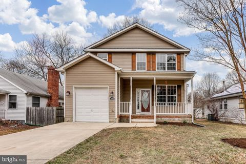 Photo of 204 Lakeview Ave, Edgewater, MD 21037