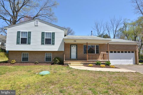 Photo of 3705 8th Ave, Edgewater, MD 21037