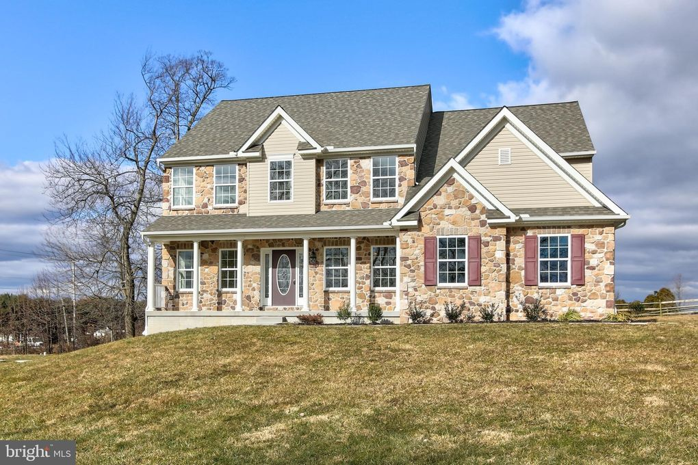 100 Buttercup Dr Oxford, PA 19363