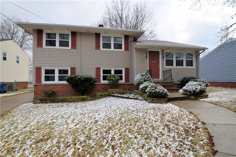 Photo of 11205 Stoneham Rd, Parma Heights, OH 44130