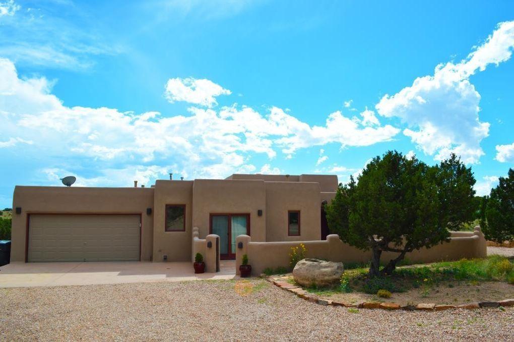 2 Tetilla Rd, Santa Fe, NM 87508