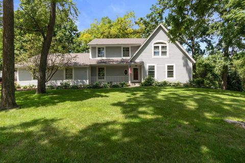 Photo of 244 W Geneva St, Williams Bay, WI 53191