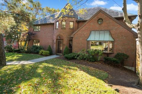 Photo of 36 Hatherly Rd, Quincy, MA 02170