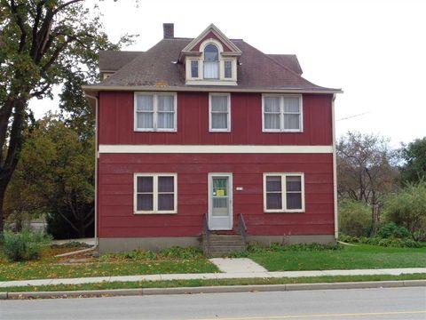 Photo of 1414 Main St, Cross Plains, WI 53528