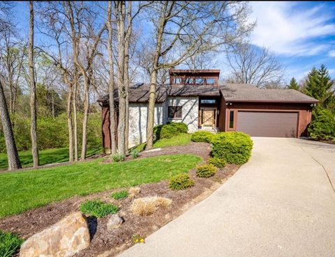Photo of 805 White Oak Dr, Oxford, OH 45056