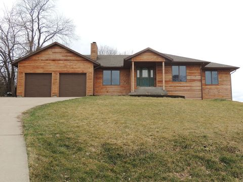 Photo of 10 Willow Ct, Spring Valley, IL 61362