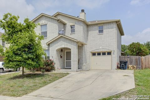 Photo of 671 Cherokee Blvd, New Braunfels, TX 78132