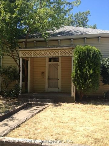 Photo of 1035 Lincoln St, Red Bluff, CA 96080