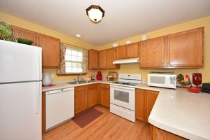 18725 Emerald Cir Unit A, Brookfield, WI 53045 - Kitchen