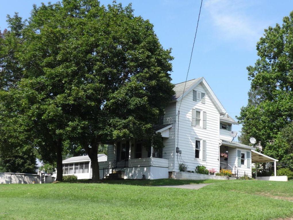 40 Penn St, Montgomery, PA 17752