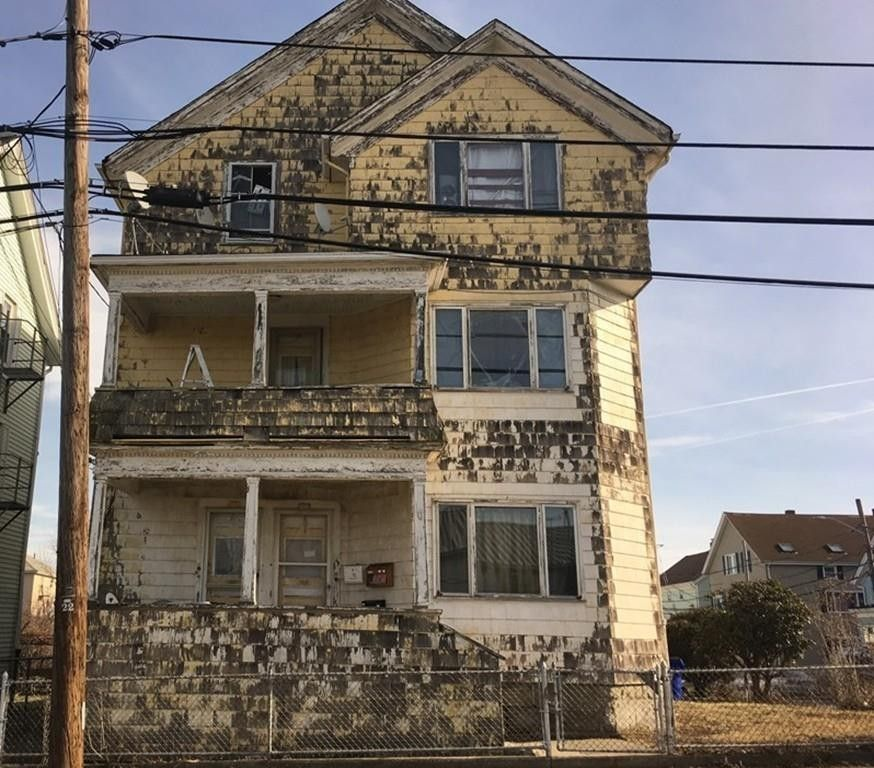534-536 Montaup St Fall River, MA 02724