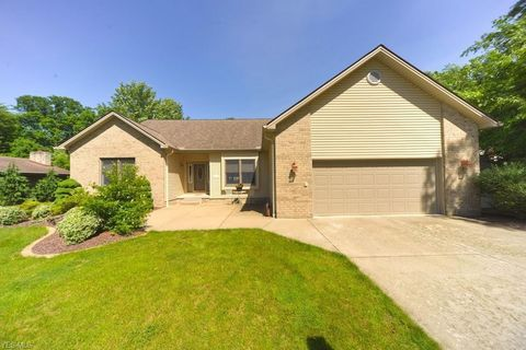 Photo of 7451 Christopher Dr, Poland, OH 44514
