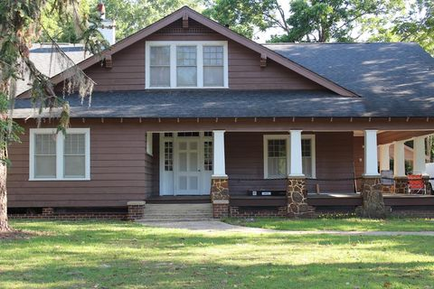 Photo of 120 7th Ave Sw, Moultrie, GA 31768