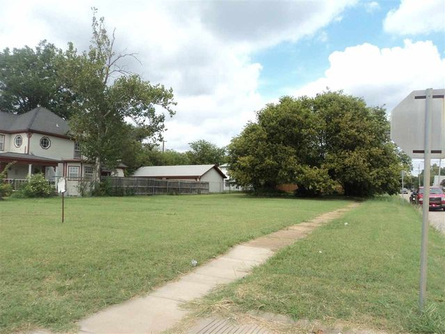 701 w gore blvd lawton ok 73501 for Home builders in lawton ok