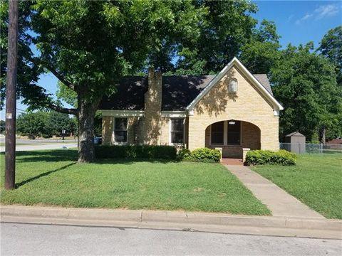 Photo of 315 N Pecan St, Arlington, TX 76011