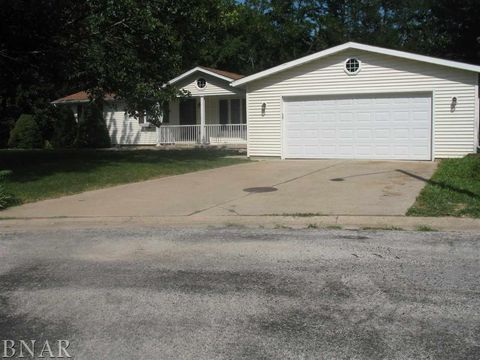 6 Deerefield Ct, Clinton, IL 61727