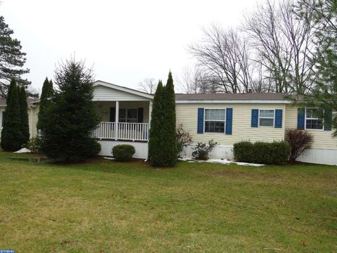 Quakertown PA Homes With Special Features