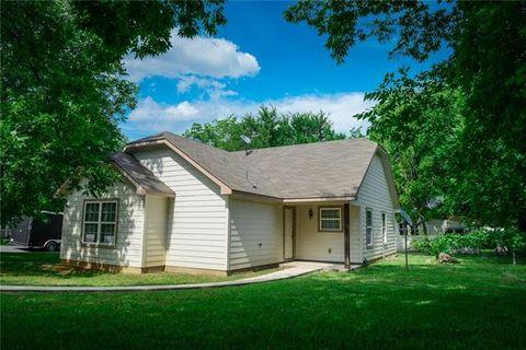 Photo of 520 N Houston Ave, Denison, TX 75021