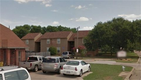 Photo of 501 Kings Way Dr, Mansfield, TX 76063