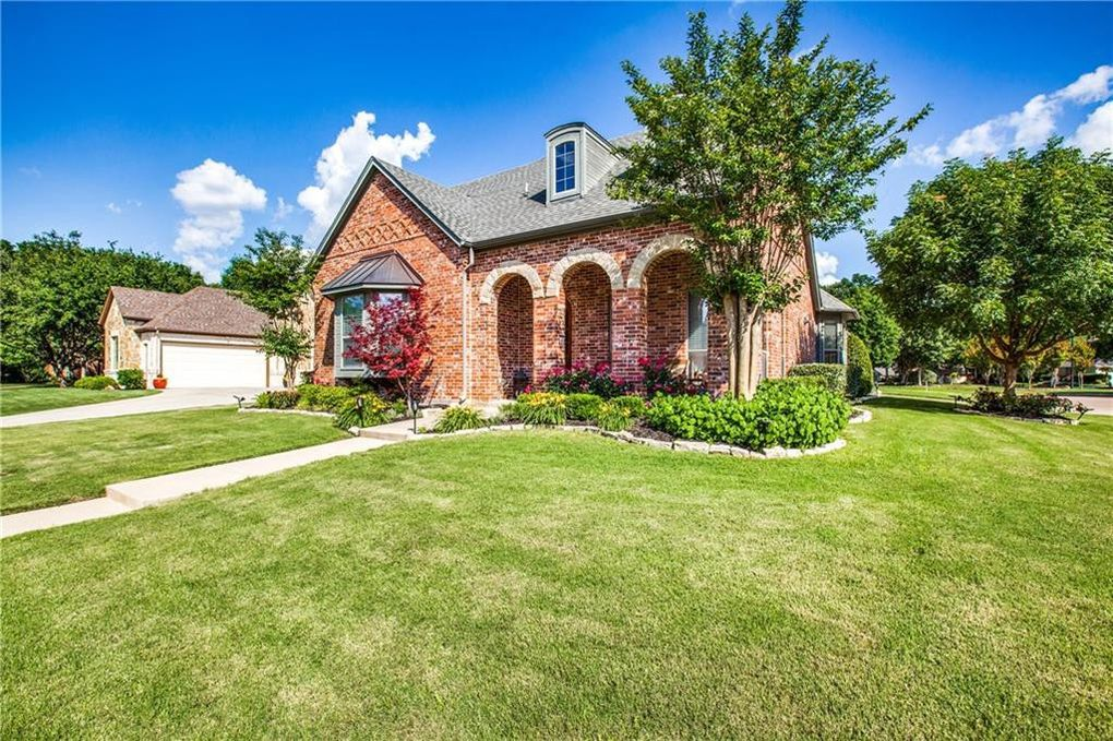 5836 River Meadows Pl, Fort Worth, TX 76112