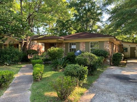 Photo of 2914 Truett Ave, Whistler, AL 36612