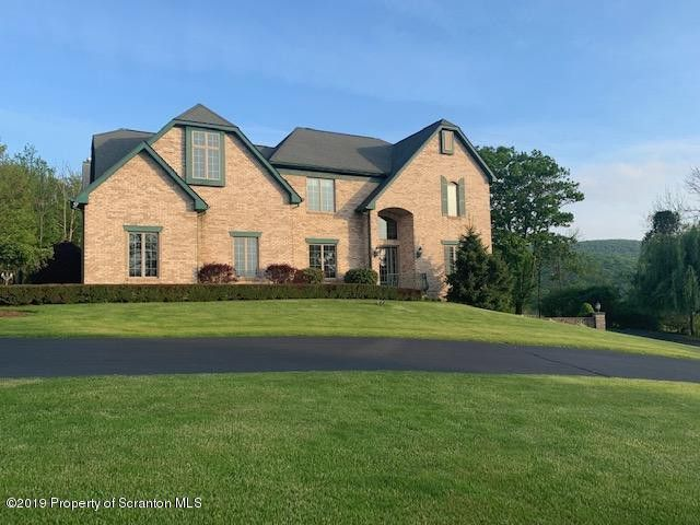 1660 Forest Acres Dr Clarks Summit, PA 18411