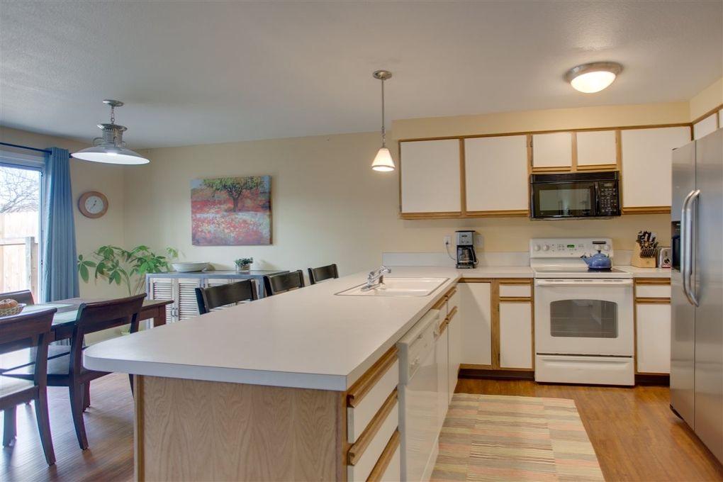 2555 S Oak Leaf Ln, Boise, ID 83706