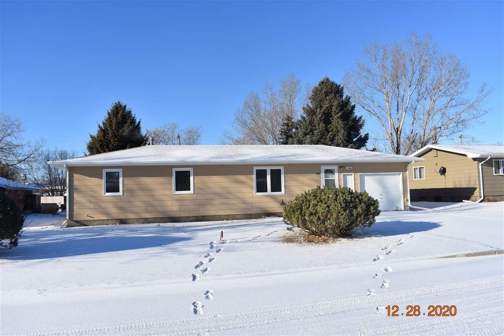 345 7th St NE Garrison, ND 58540