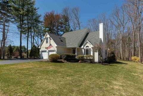 Photo of 1 Amberwood Dr, Exeter, NH 03833