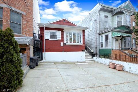 Photo of 103 Leonard St, Jersey City, NJ 07307