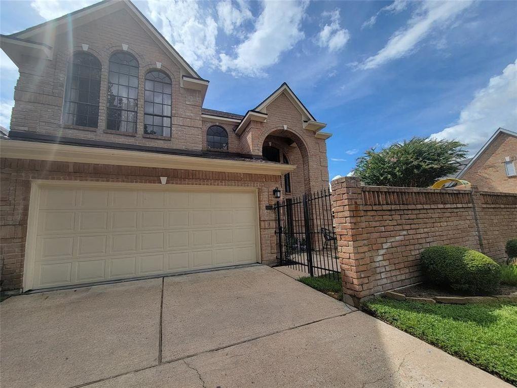 6985 Oakwood Park Ct Houston, TX 77040