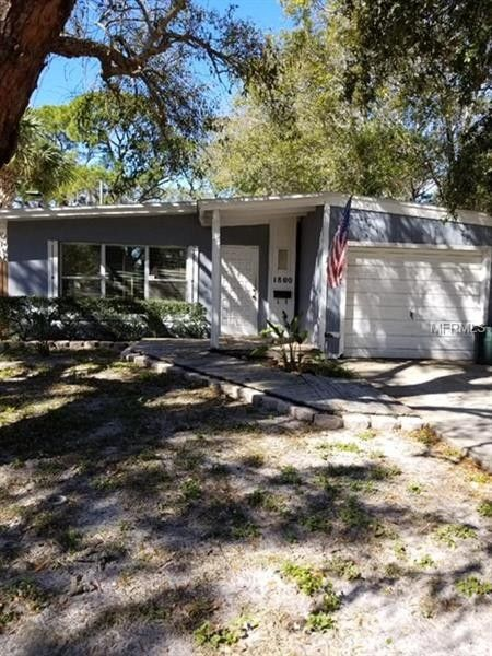 1800s Country Homes: 1800 Country Club Rd N, St Petersburg, FL 33710