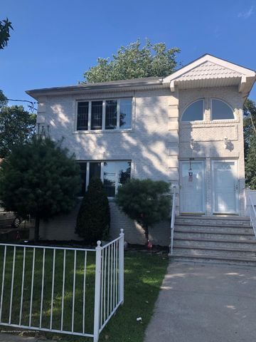 Photo of 409 Cromwell Ave, Staten Island, NY 10305