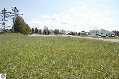 Photo of 910 Us Highway 31 S, Traverse City, MI 49685