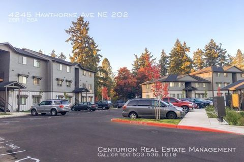 Photo of 4245 Hawthorne Ave Ne Apt 202, Salem, OR 97301