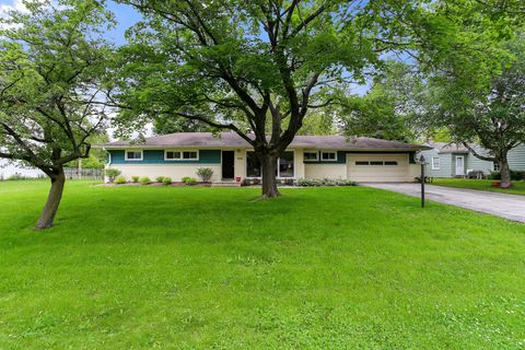 Photo of 9006 N Rexleigh Dr, Bayside, WI 53217