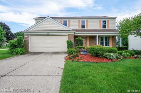 Photo of 34651 Bunker Hill Dr, Farmington Hills, MI 48331