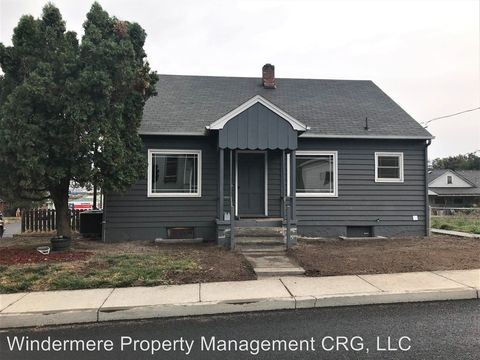 Photo of 1501 E 10th St, The Dalles, OR 97058