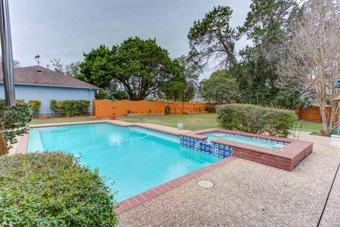 New Braunfels Tx Houses For Sale With Swimming Pool Realtorcom