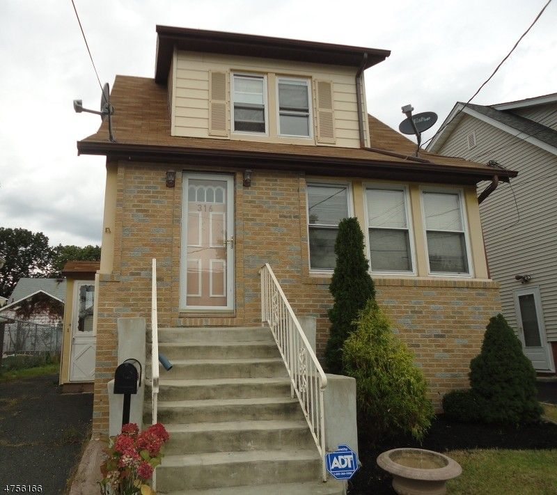 316 Perry Ave, Union, NJ 07083
