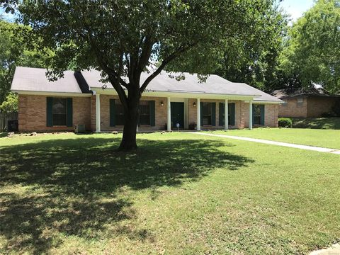 Montgomery, AL Houses for Sale with Swimming Pool - realtor com®