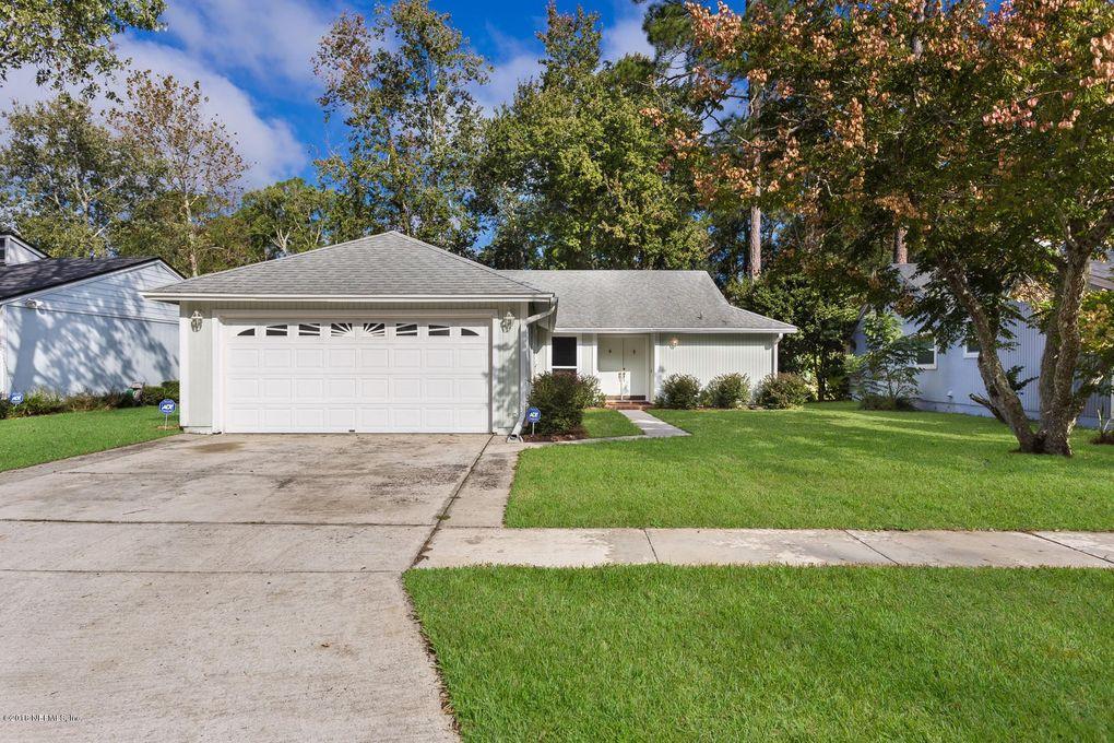 3947 Pine Breeze Rd S, Jacksonville, FL 32257