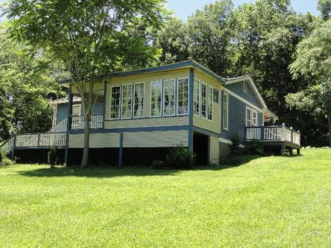51 Rush Island Bend Rd, Horse Cave, KY 42749