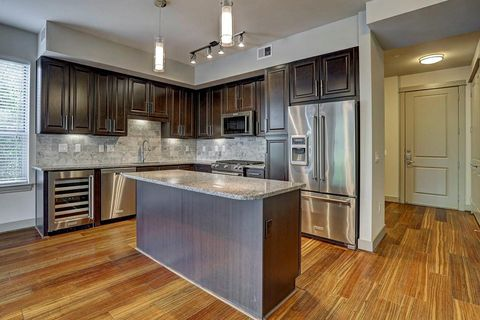 Photo of 10401 Town And Country Way Apt 115, Houston, TX 77024